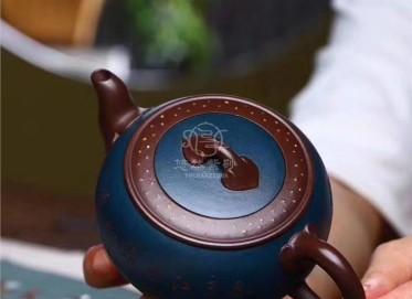 周庚大紫砂壶作品|原矿紫泥点缀如意壶300CC全手工真品价格