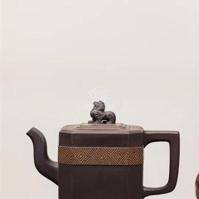 孔新华作品 锦袋壶