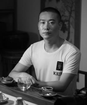 紫砂壶工艺师鲍健名家照片