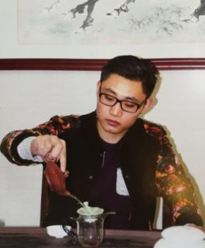 紫砂壶工艺师孙悦名家照片