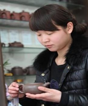 紫砂壶工艺师张燕名家照片