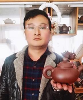 紫砂壶工艺师 杨成虎名家照片