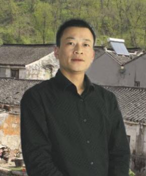 紫砂壶工艺师张岳民名家照片