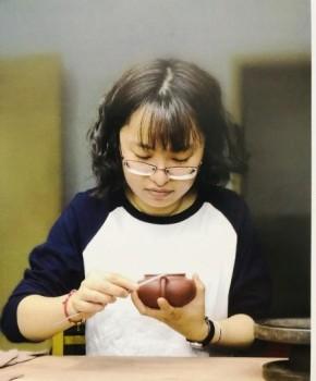 紫砂壶工艺师庄旻名家照片