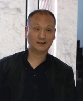 紫砂壶工艺师周建明名家照片