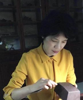 紫砂壶工艺师王玮名家照片