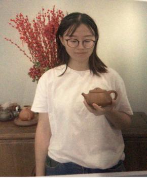 紫砂壶工艺师江露名家照片