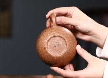 周莹紫砂壶作品 五彩段泥掇球壶280CC全手工正品行情