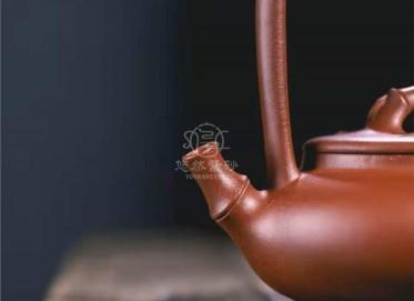 范微琴紫砂壶作品|原矿红皮龙扁竹提梁壶360CC手工真品价格表