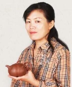 紫砂壶工艺师范丽雅名家照片