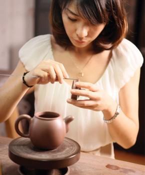 紫砂壶工艺师高语名家照片