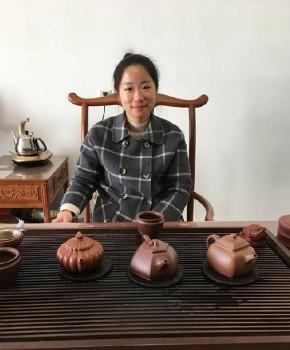 紫砂壶工艺师刘云仙名家照片