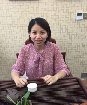紫砂壶工艺师李小勤名家照片