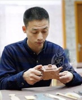 紫砂壶工艺师周立峰名家照片