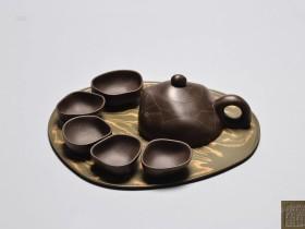 紫砂壶拍卖|曹亚麟制《溪趣套壶》拍出195万元