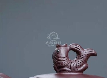 史爱民紫砂壶作品|原矿紫泥鱼跃龙门壶380CC纯手工正品行情