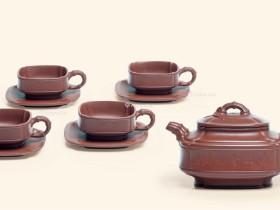紫砂壶拍卖 范伟群制《四方隐角竹鼓茶具套组》拍出69万元
