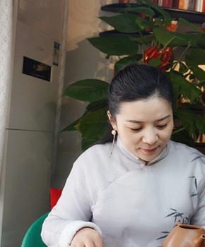 紫砂壶工艺师夏海燕名家照片