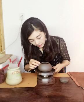 紫砂壶工艺师陈柯伊名家照片