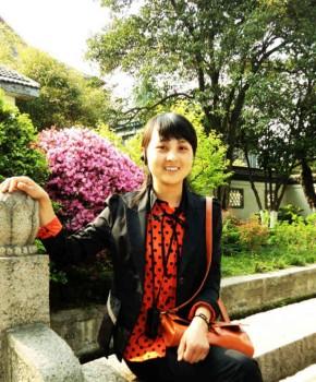 紫砂壶工艺师陈亚名家照片