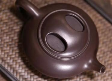 王红娟紫砂壶作品|文革紫泥牛盖石瓢壶150CC全手工正品价位