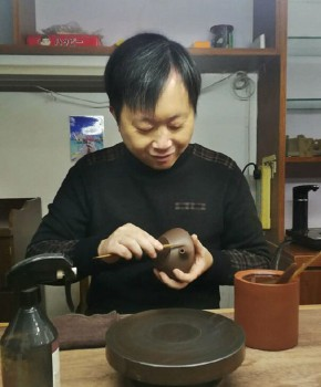 紫砂壶工艺师蒯优名家照片