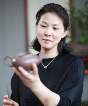 紫砂壶工艺师刘亚萍名家照片