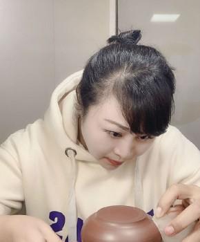 紫砂壶工艺师庄荣芳名家照片