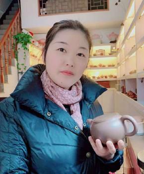 紫砂壶工艺师王小云名家照片
