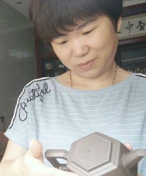 紫砂壶工艺师吴桂林名家照片