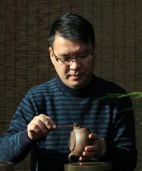 紫砂壶工艺师吴建陶名家照片