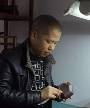紫砂壶工艺师吴小君名家照片