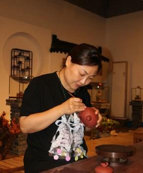 紫砂壶工艺师吴静雅名家照片
