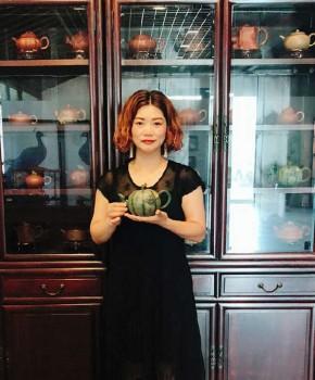 紫砂壶工艺师徐红娟名家照片