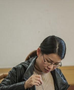 紫砂壶工艺师许晓艳名家照片