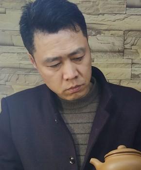 紫砂壶工艺师郑存民名家照片