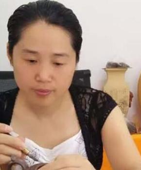 紫砂壶工艺师周象芬名家照片
