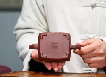 张伟军紫砂壶作品 原矿底槽清心静壶230CC手工真品价值