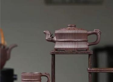 张伟军紫砂壶作品|原矿紫泥龙头八卦一捆竹壶280CC全手工正品价值