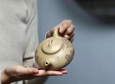 范林强紫砂壶作品|本山段泥三足乳瓢壶260CC全手工正品行情