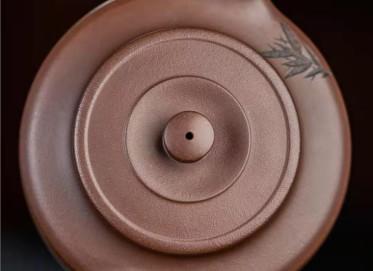 许华芳紫砂壶作品|原矿紫泥旭帽壶320CC纯手工真品价值