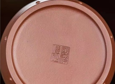 王国祥紫砂壶作品|原矿紫泥吉祥瑞兽壶540CC全手工正品多少钱