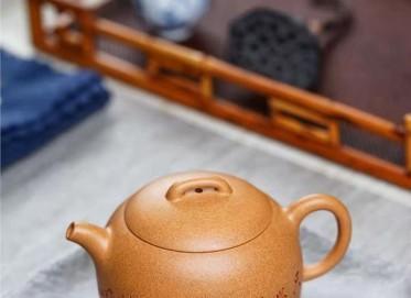 陈小明紫砂壶作品|金葵段泥半月壶250CC手制真品行情