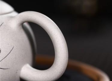 周莹紫砂壶作品|羊脂玉段泥西施壶330CC手制正品价格表