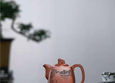 牟锦芬紫砂壶作品|原矿红皮龙狮威四方壶510CC全手工正品价值