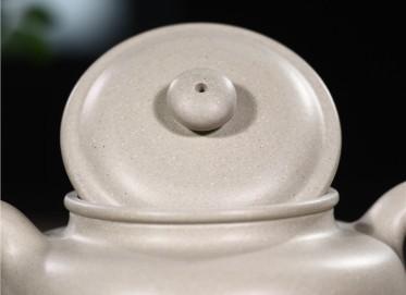 周莹紫砂壶作品|羊脂玉段泥仿古壶300CC纯手工正品价格