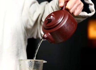 黄卫民紫砂壶作品|原矿紫泥牛气冲天壶430CC手工正品价位