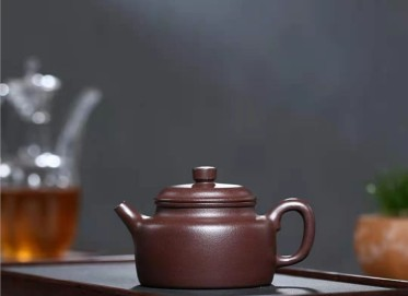 陈亚萍紫砂壶作品|石红料德钟壶260CC全手工真品价值