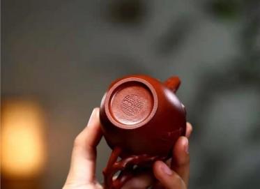 单志萍紫砂壶作品|原矿底槽清贴花宫灯壶140CC纯手工正品价位