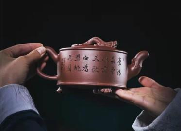 牟锦芬紫砂壶作品|原矿底槽清螭龙壶440CC纯手工正品价格